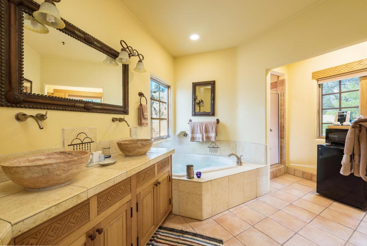 Anasazi Penthouse has a deluxe bathroom with jetted tub and steam shower